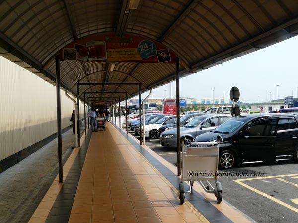 airport parking @lemonicks.com
