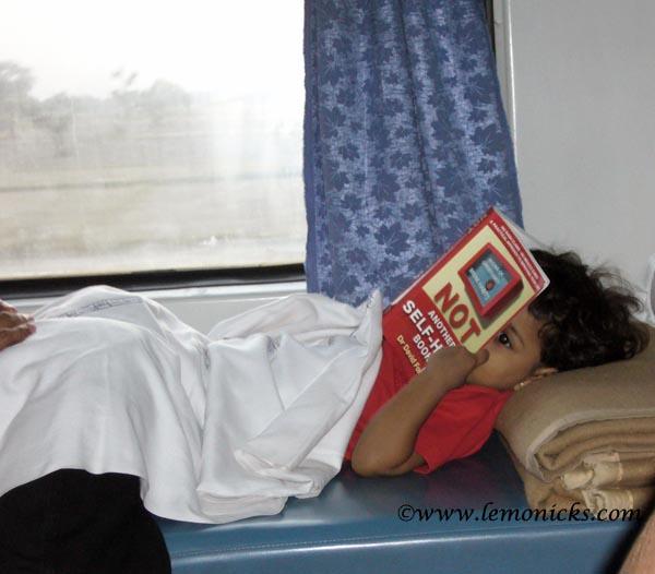 girl in train @lemonicks.com