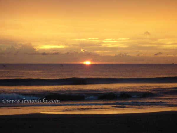 burning sky in Goa @lemonicks.com