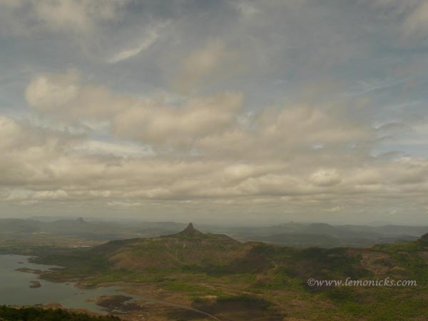 blank sky at Matheran @lemonicks.com