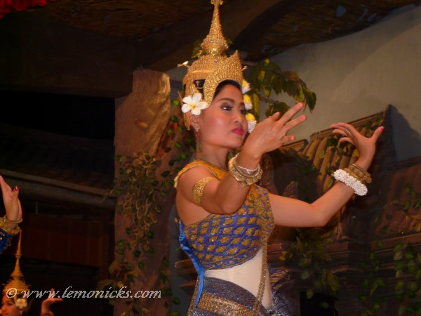 apsara dancer @lemonicks.com