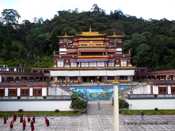 Lingdum Monastery@lemonicks.com