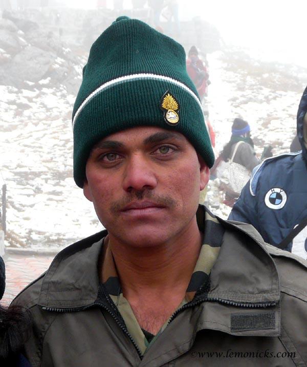 soldiers in Nathu la @lemonicks.com