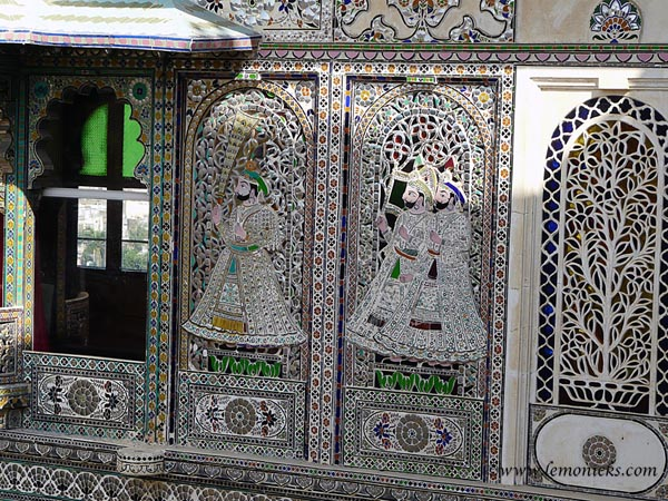 Intricate work at Udaipur palace @lemonicks.com