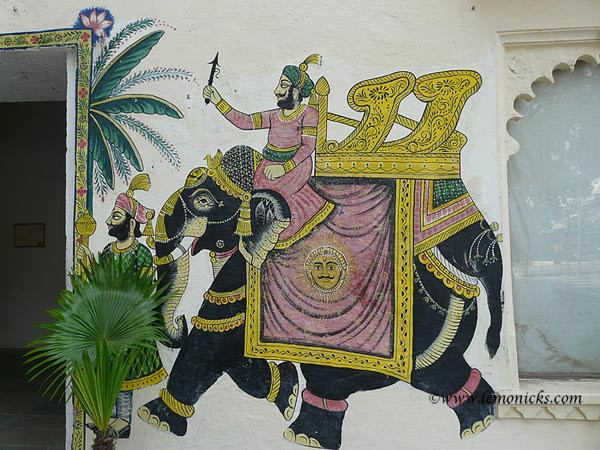 Mural at Udaipur palace @lemonicks.com
