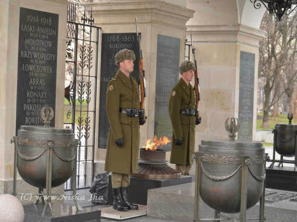 Poland in winters Tomb of the Unknown Soldier Warsaw @lemonicks.com