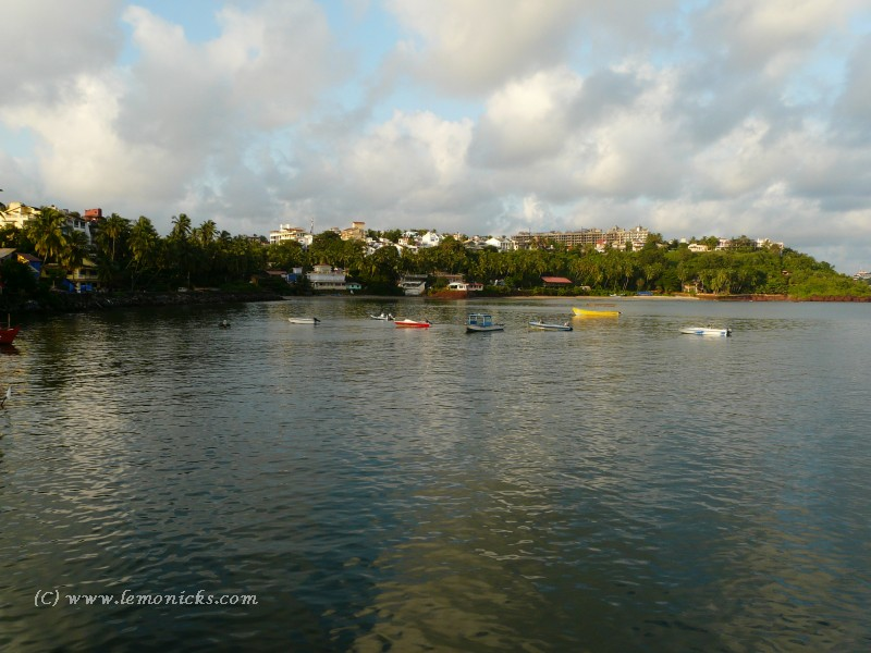 dona paula beach goa | lemonicks.com