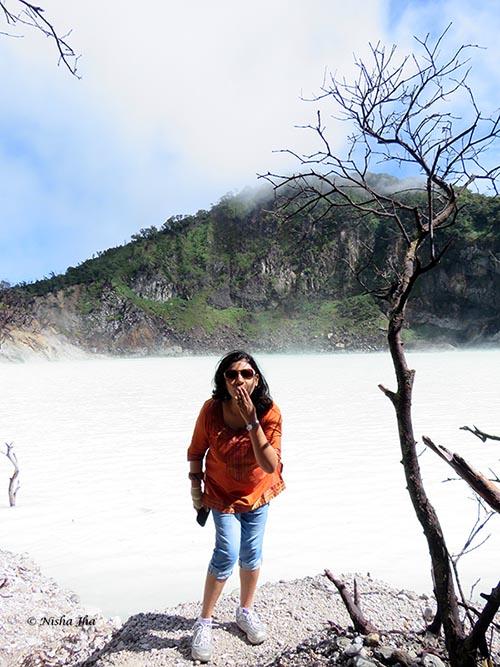 02 Kawah Putih white crater indonesia