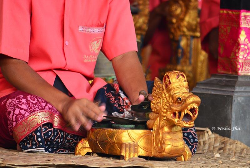 barong dance drama bali ubud indonesia