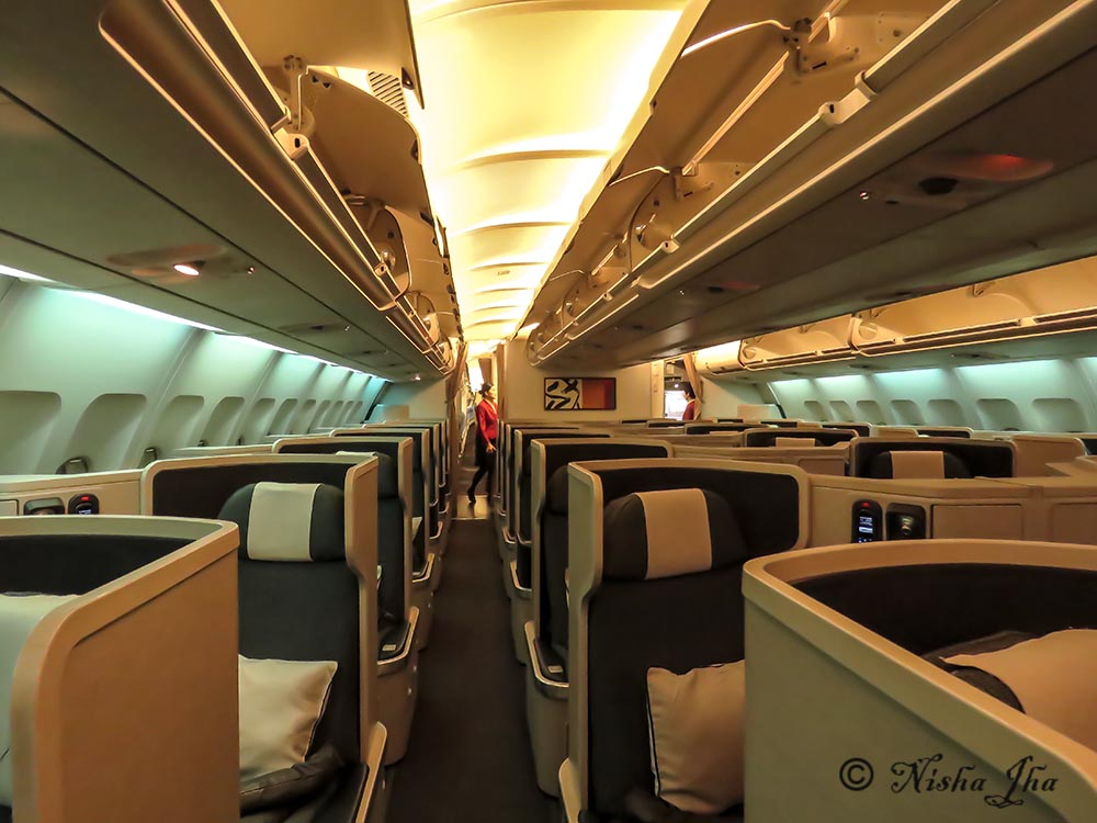 Cathay Pacific Business class A350 , overhead storage