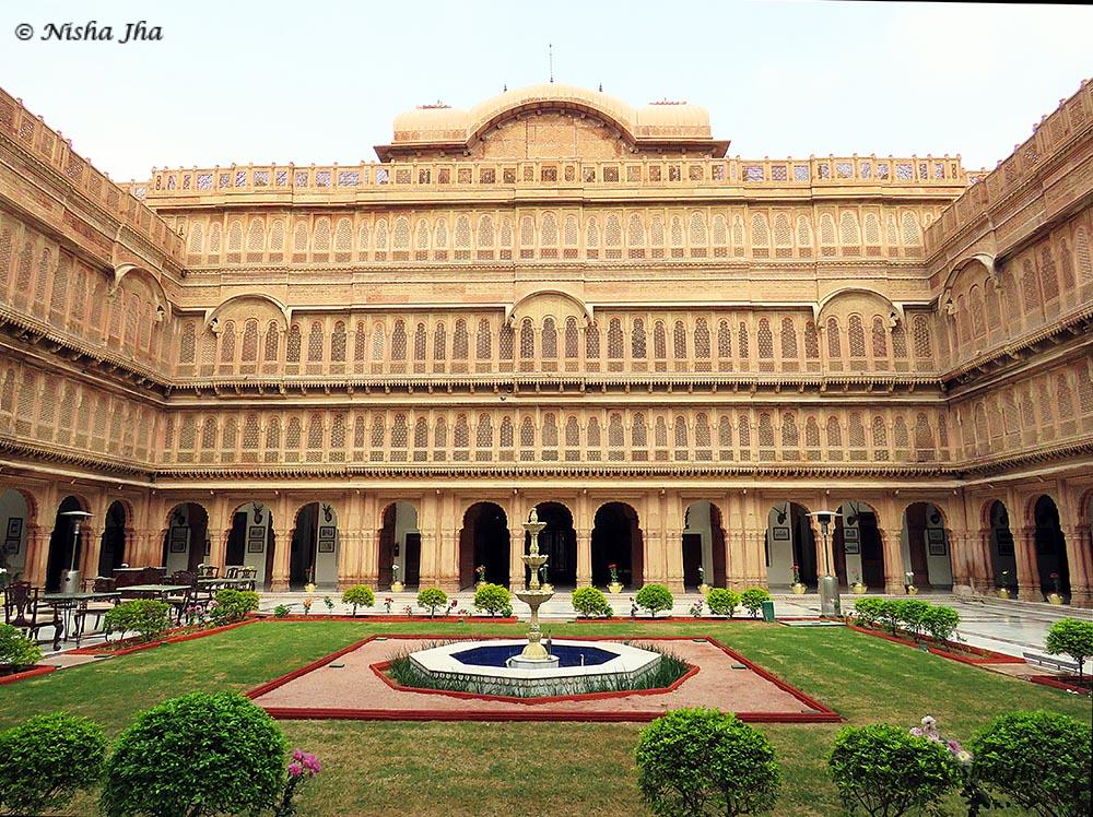 Laxmi Niwas palace - top 15 things to do bikaner @lemonicks.com