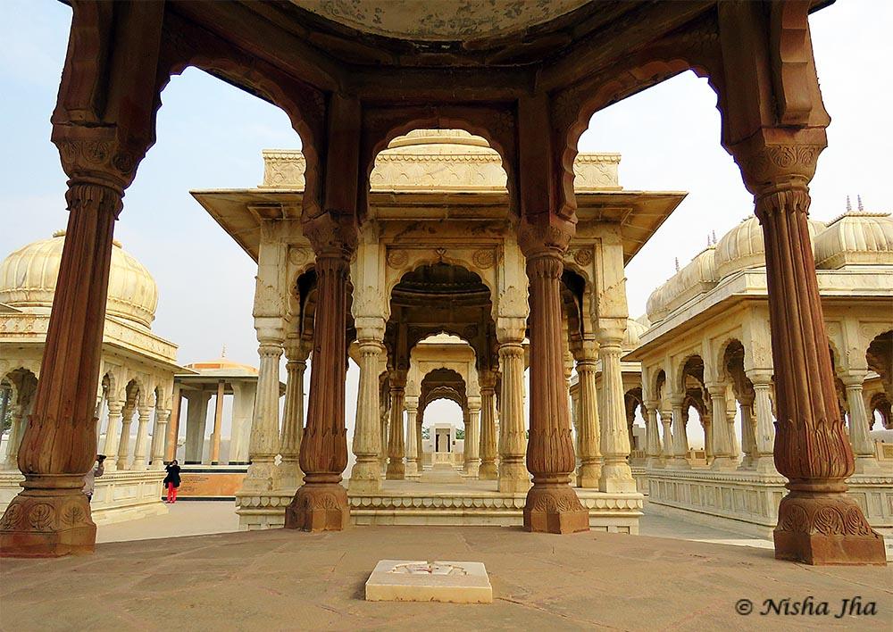 The royal chhatris - top 15 things to do bikaner @lemonicks.com