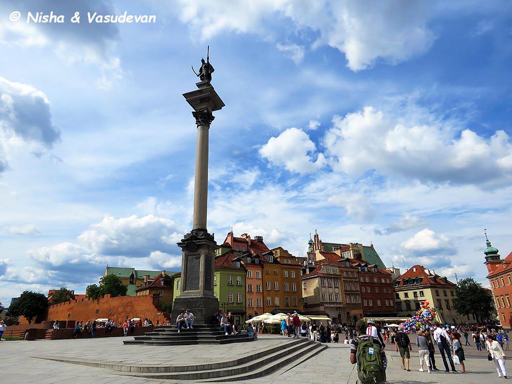Old town square Warsaw @ lemonicks.com
