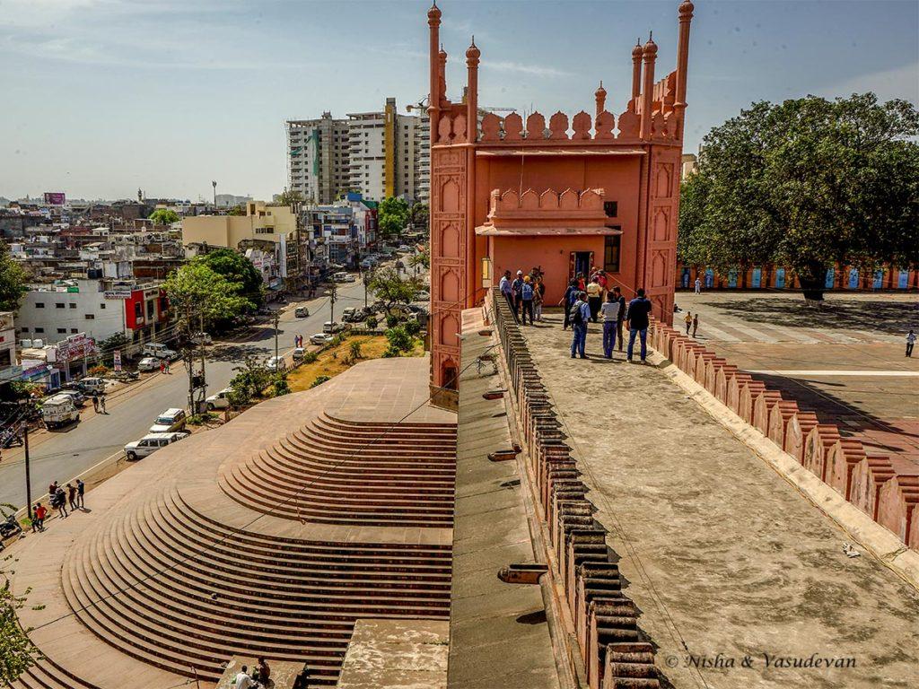taj ul masajid the largest mosque in india