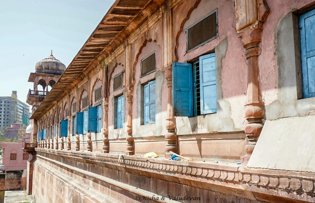 tajul masajid the largest mosque in india